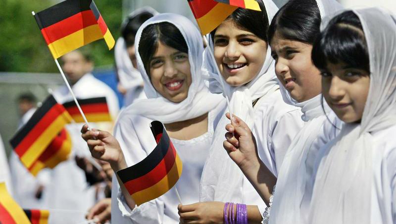 Новости: Образованные немцы не чураются друзей-мусульман