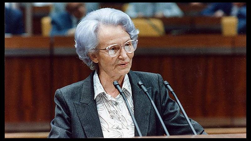 Новости: В Чили умерла Марго Хонеккер