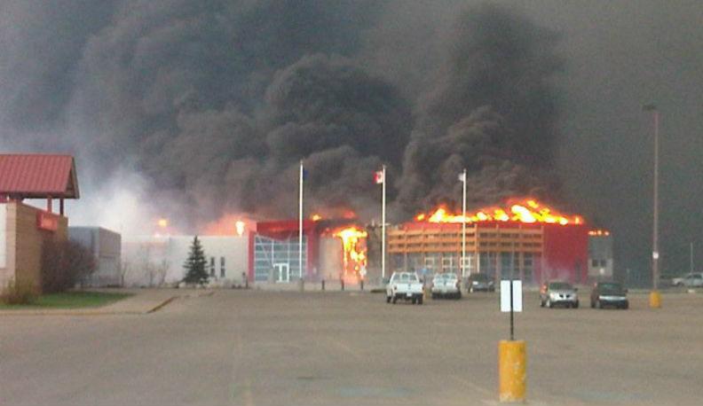 Отовсюду обо всем: Огонь в Альберте удвоил аппетиты