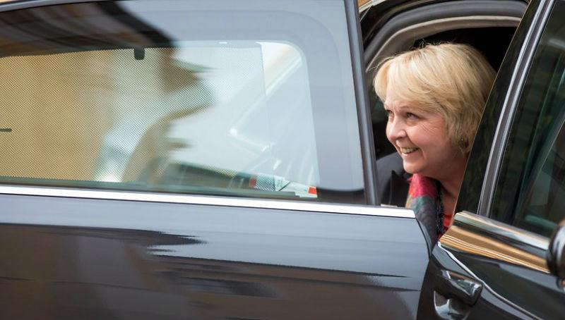 Новости: Чиновники ездят на опасных авто