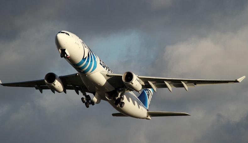 Новости: Исчезнувший египетский самолет все еще не нашли