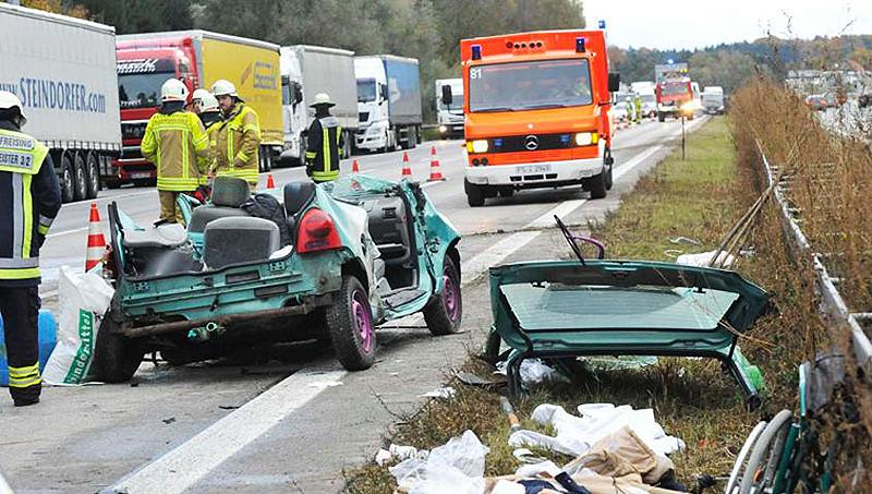 Новости: Два ДТП на скользкой трассе: погибли женщина и дети