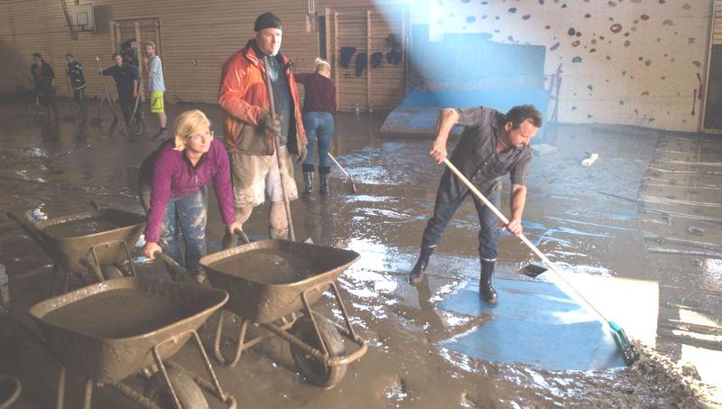 !!!!04.06.16_наводнение уборка1