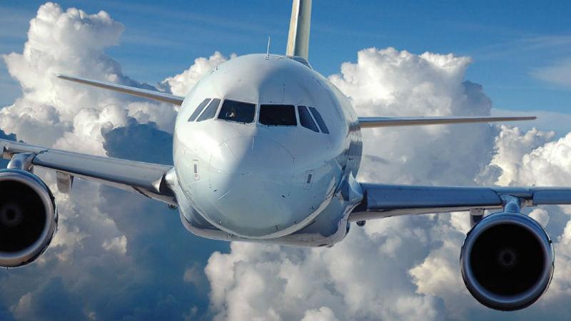 Полезные советы: Как быть, если ребенок родился в самолете?