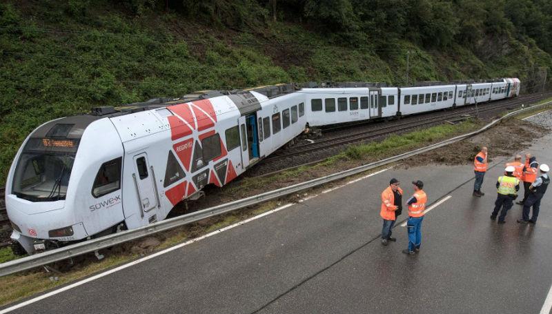 Новости: Непогода в Германии: машины плавают, поезда сходят с рельсов