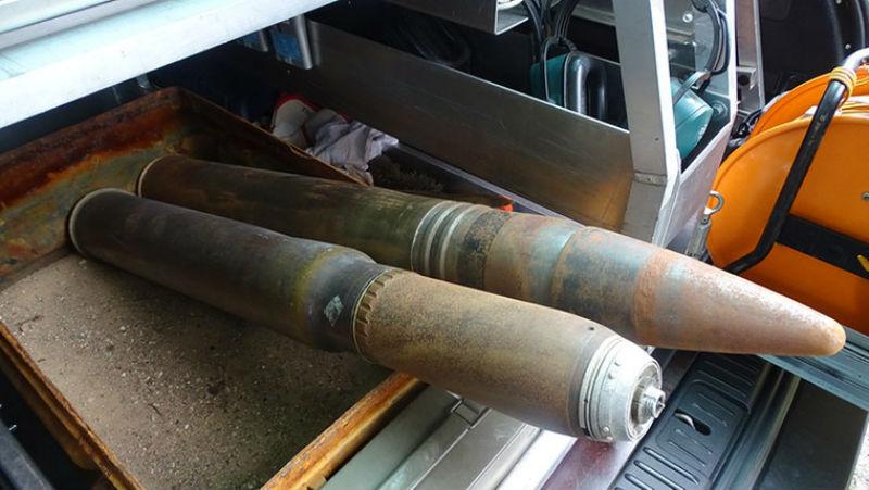 Галерея: Полиция обнаружила на свалке целый арсенал оружия