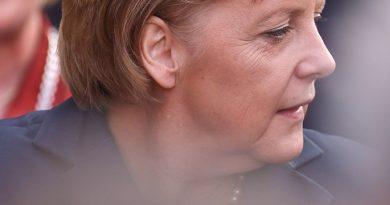 Меркель сохранила пост председателя ХДС
