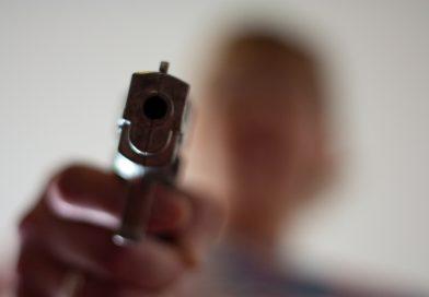 В приюте для беженцев 18-летний парень устроил стрельбу из газового пистолета