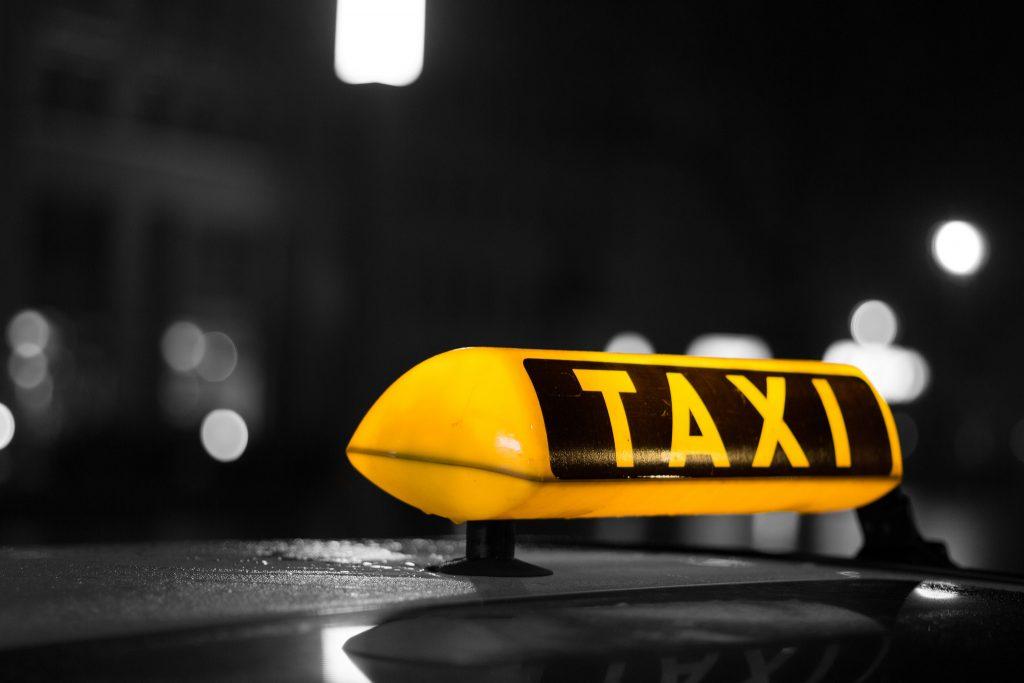Деньги: Сколько стоит такси в Германии?
