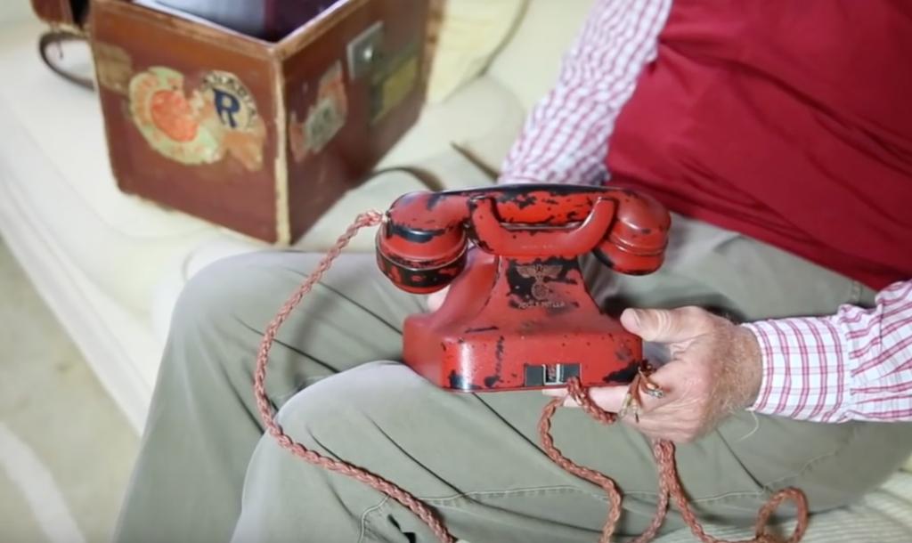 Деньги: На аукционе в США продали телефон Гитлера