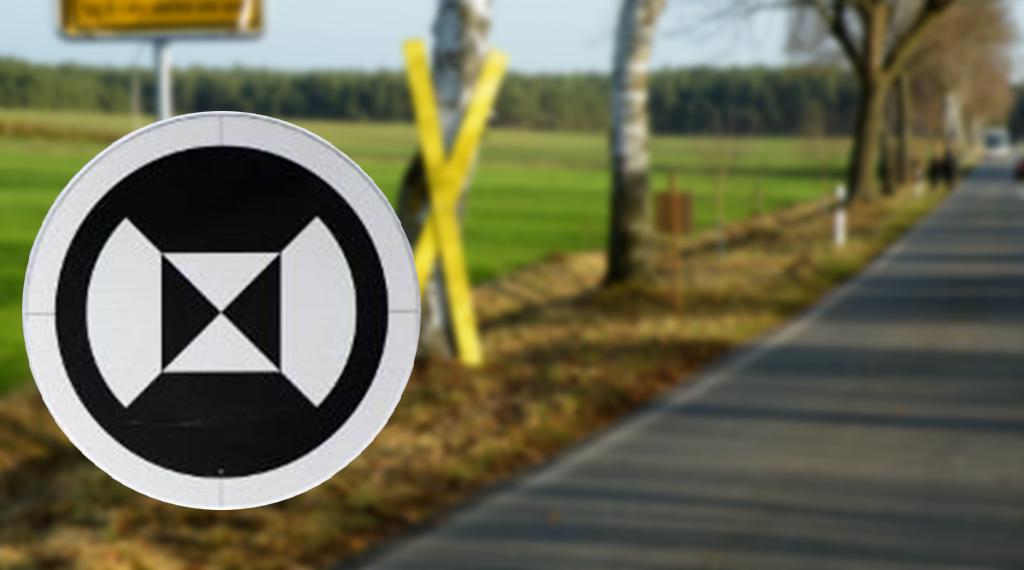 Общество: Новый черно-белый дорожный знак на автостраде А9: что должны знать водители?