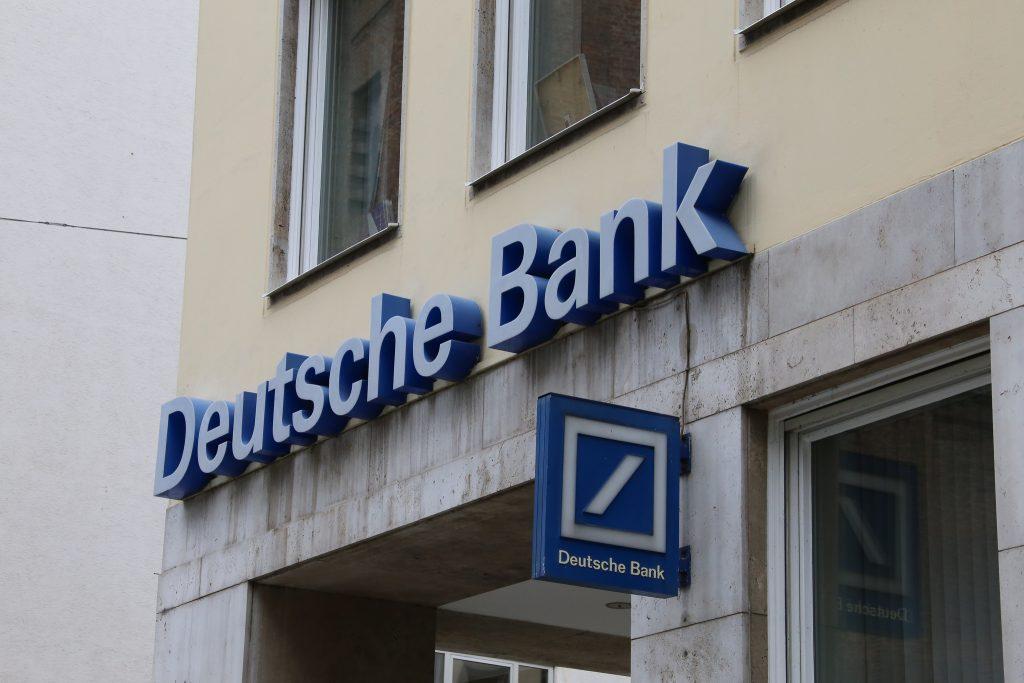 Закон и право: Deutsche Bank выплатит $630 миллионов за отмывание российских денег