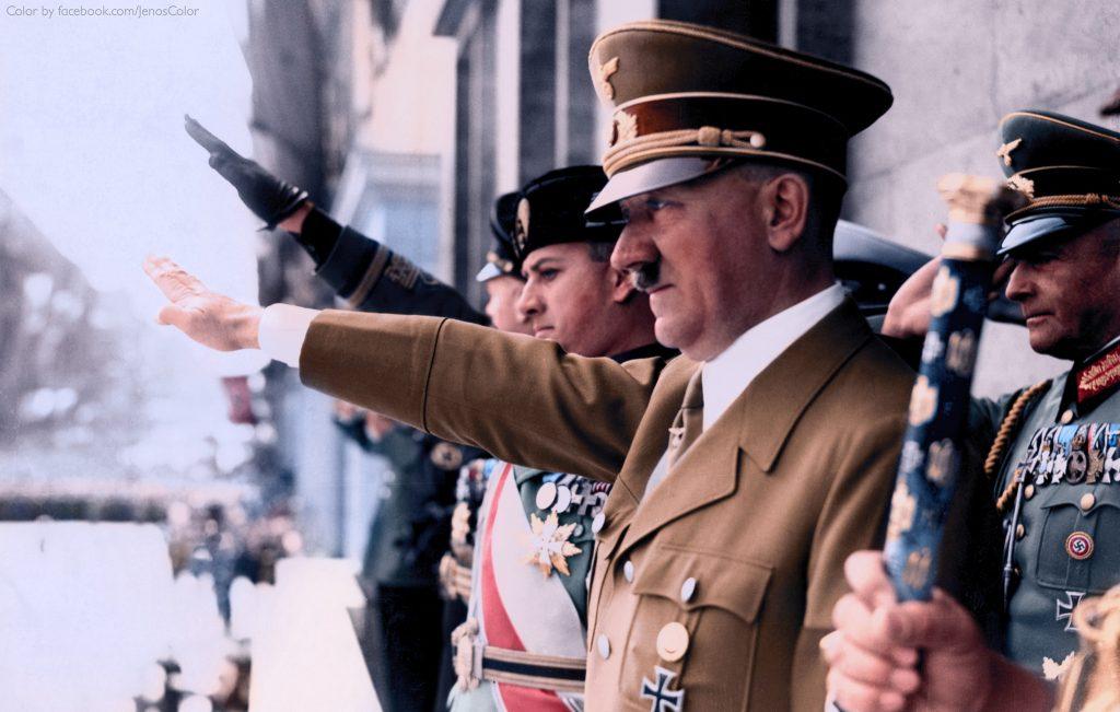 Отовсюду обо всем: В Австрии арестовали двойника Гитлера