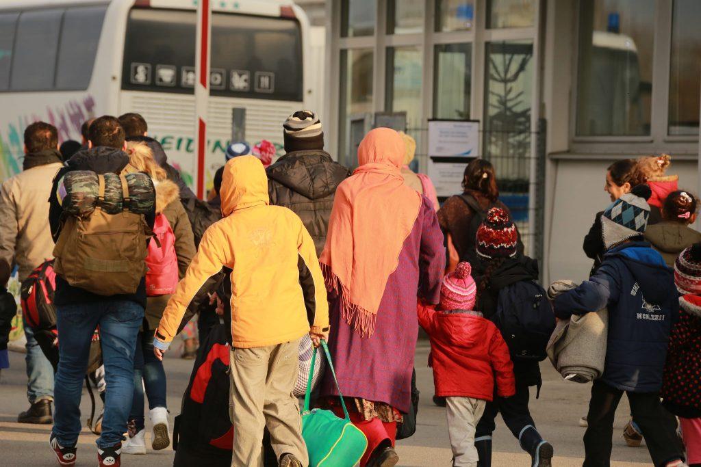 Общество: Федеральное правительство мотивирует беженцев добровольно возвращаться домой