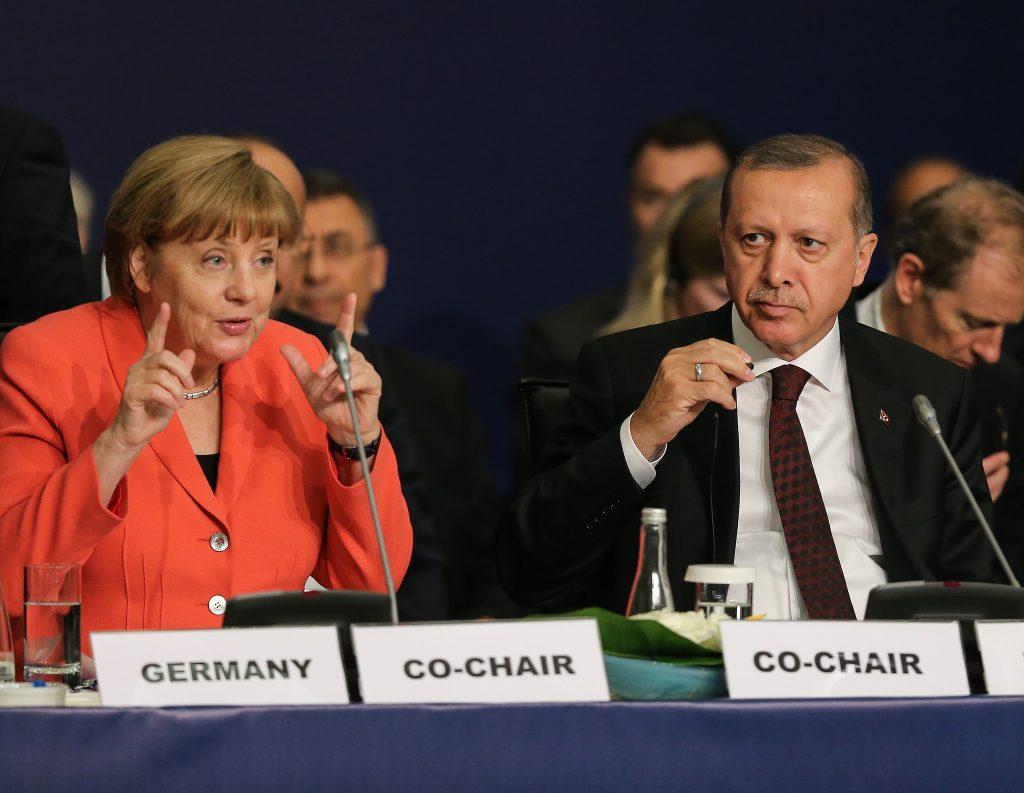 Политика: Впервые после попытки переворота Меркель встретится с Эрдоганом