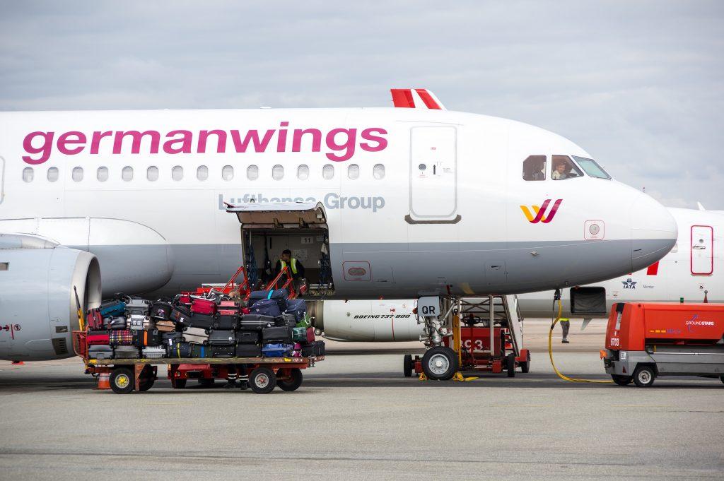 Происшествия: Членов экипажа Germanwings госпитализировали из-за загрязнения воздуха