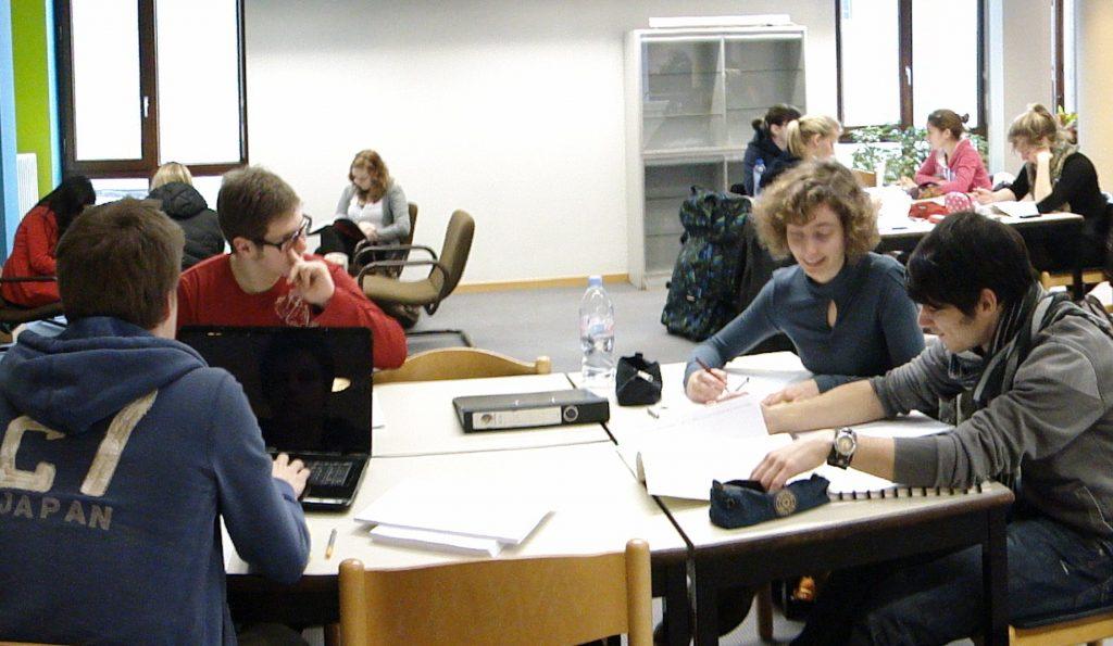 Общество: В земле Баден-Вюртемберг вводится плата за обучение иностранных студентов