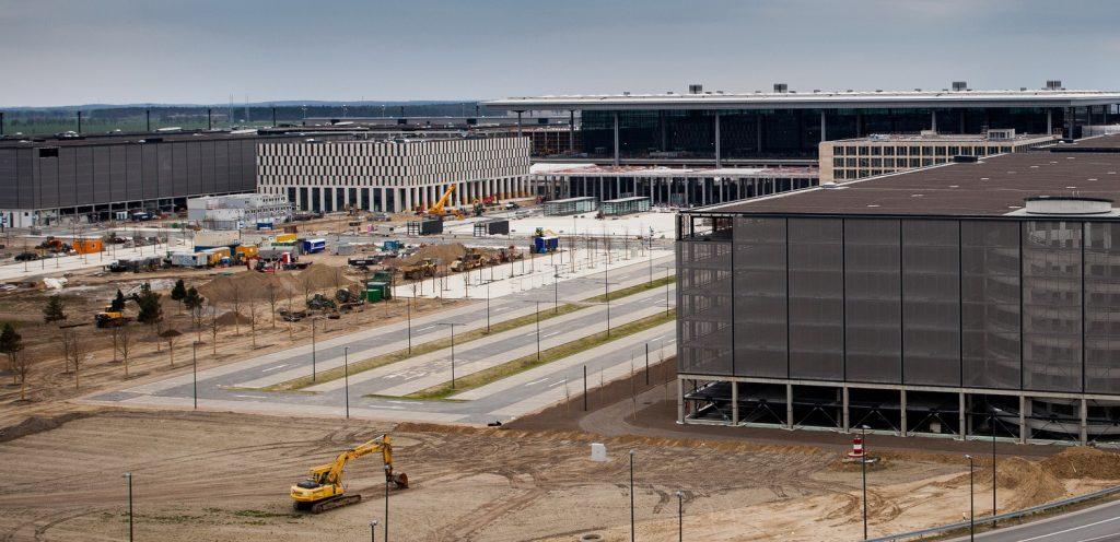 Общество: Открытие аэропорта Берлин-Бранденбург состоится 30 июня 2018 года