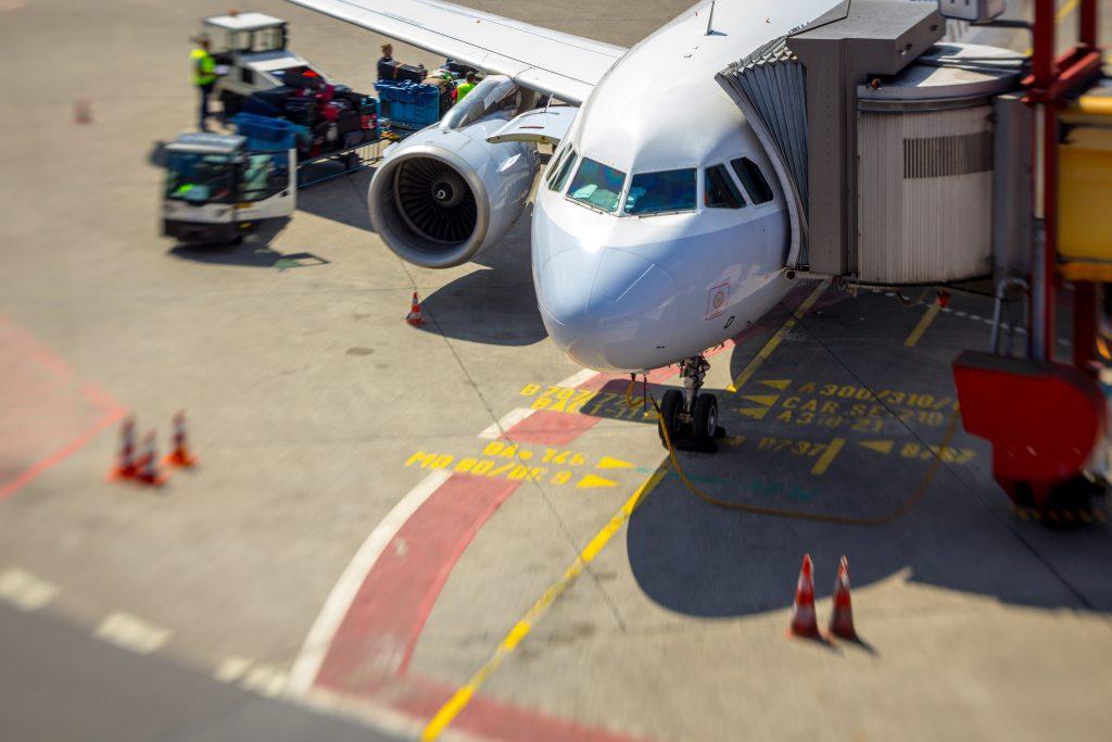 Новости: Предупредительная забастовка: в Берлине отменили 200 авиарейсов