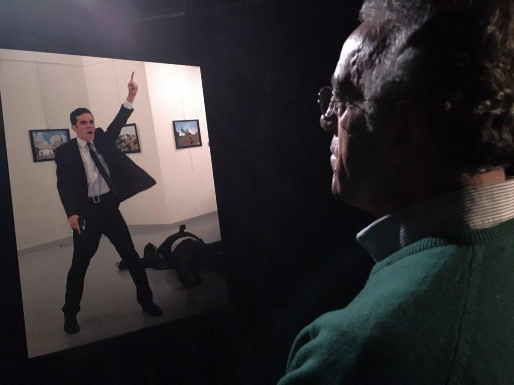 Культура: В конкурсе World Press Photo 2017 победило фото с изображением убийства посла России в Турции