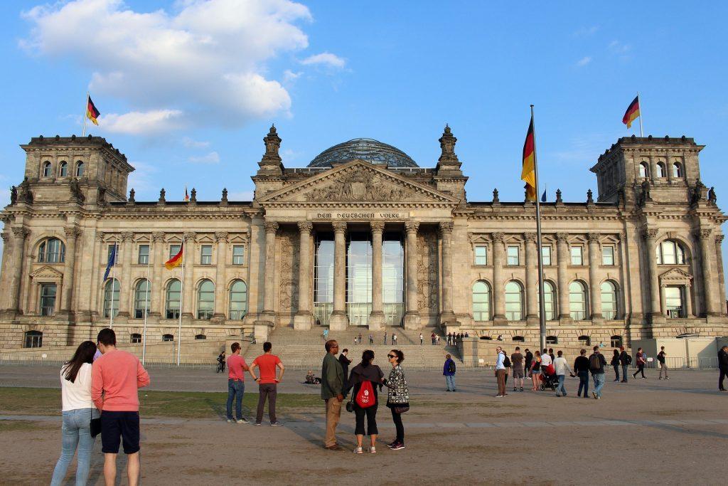 Отовсюду обо всем: Немецким политикам не понравилась идея с подмосковным Рейхстагом