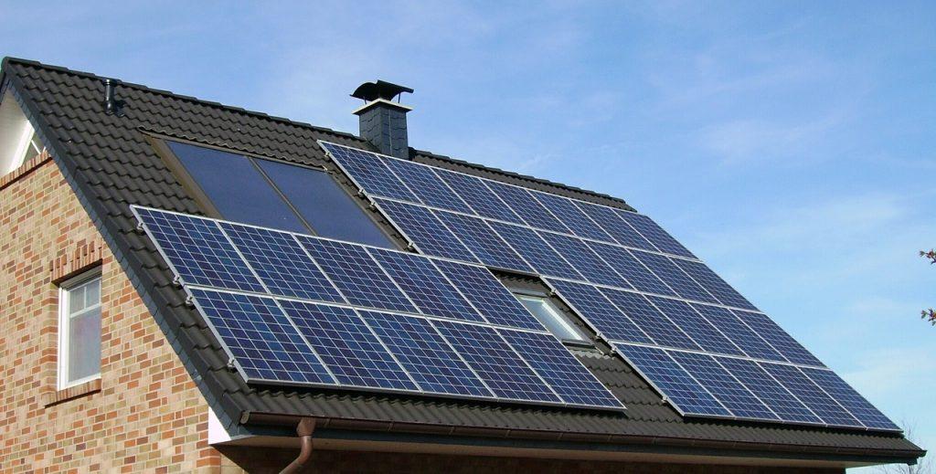 Деньги: Арендаторам домов с солнечными батареями будет выплачиваться дотация