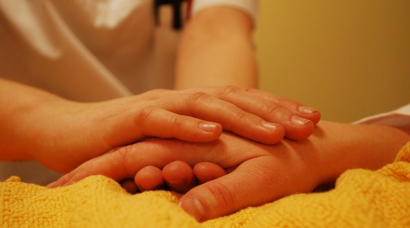 Общество: Мусульманка потеряла работу санитарки за отказ купать пациентов-мужчин
