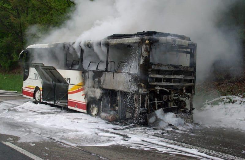 Происшествия: На автостраде А3 загорелся автобус: пострадало 5 человек