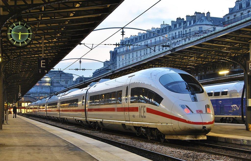 Общество: Deutsche Bahn просит своих сотрудников отказаться от поездок на ICE в праздники