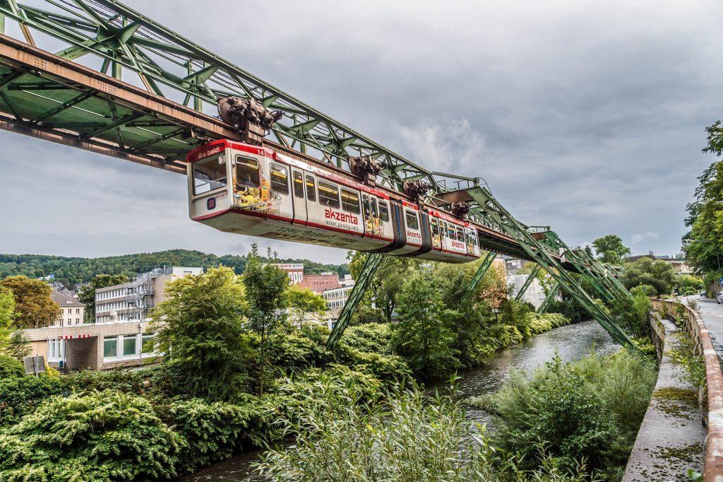 Галерея: Самые необычные достопримечательности Германии: Вуппертальская подвесная дорога