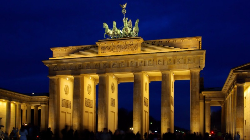 Общество: Чем Германия нравится немцам и иностранцам?