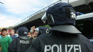 Беспорядки на улицах Магдебурга: ранены 15 полицейских