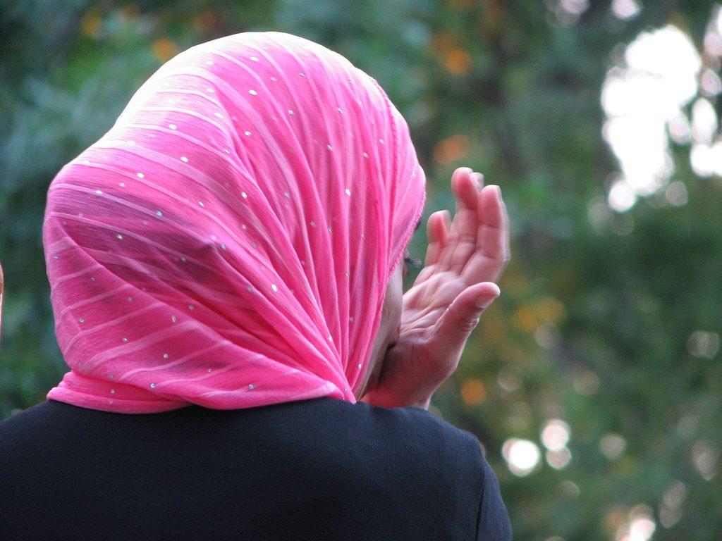 Закон и право: Женщину не пустили на бракоразводный процесс в хиджабе