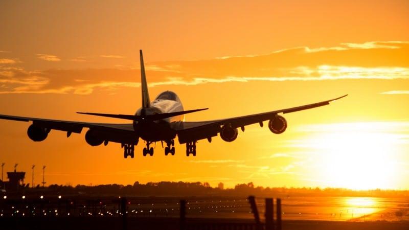 Полезные советы: 15 лайфхаков для комфортного путешествия на самолете