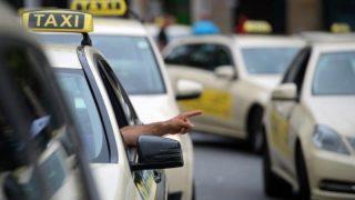 Сколько зарабатывают таксисты?
