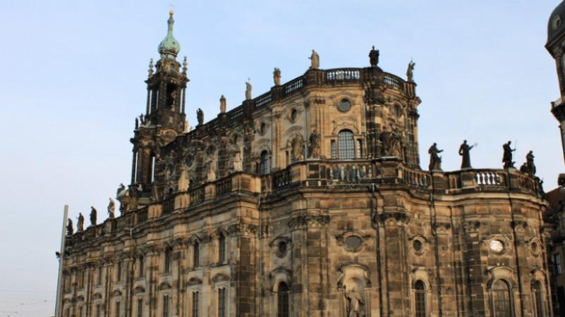 Культура: Достопримечательности Германии: Дворцовая церковь в Дрездене