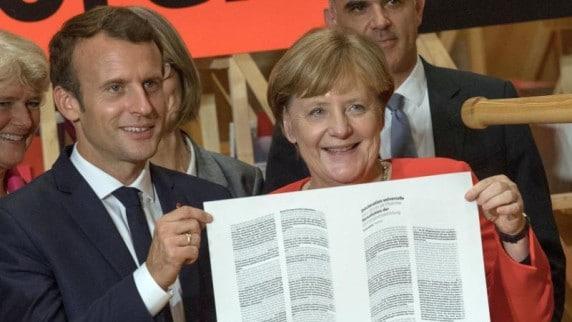 Досуг: Немцы предпочитают бумажные книги и покупают их в магазинах! Е-буки и интернет-магазины далеко позади