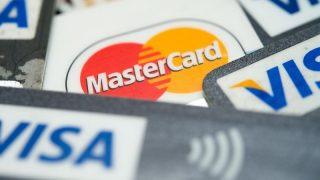 Кредитные карты: где скрываются дополнительные расходы?