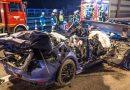 Авария на А8: грузовик проволок еще сотни метров разбитый автомобиль