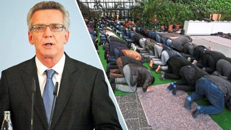 Закон и право: Политики обсуждают вопрос учреждения мусульманских праздников