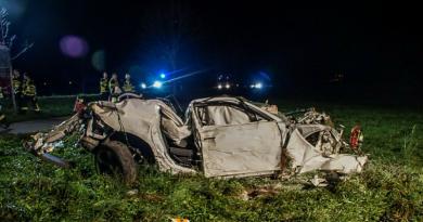 Водитель выжил в ужасном ДТП и отругал своих спасателей