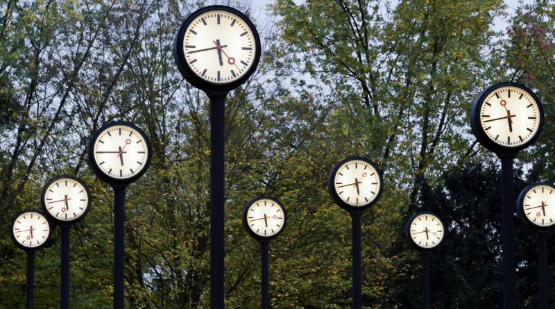 Общество: Отменит ли Еврокомиссия переход на летнее время?