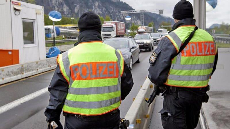 Общество: Германия продлевает пограничный контроль до мая 2018 года