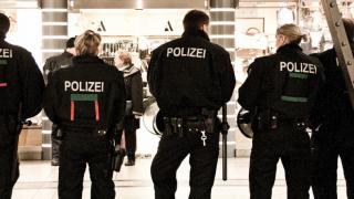 Низкие зарплаты: полицейские вынуждены подрабатывать дополнительно