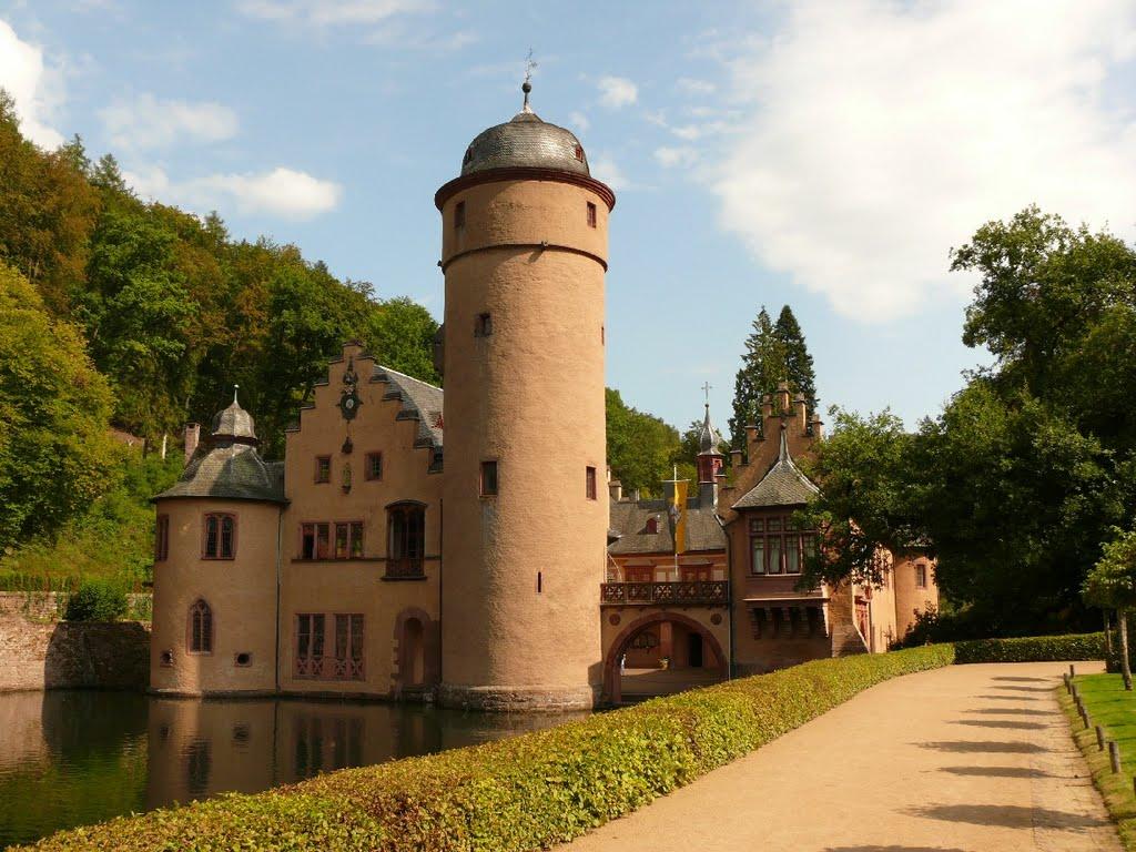 Галерея: Интересные места Германии: Меспельбрунн – замок у воды