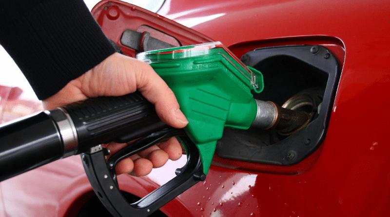 Полезные советы: Что произойдет, если вместо дизельного топлива заправить бак бензином?