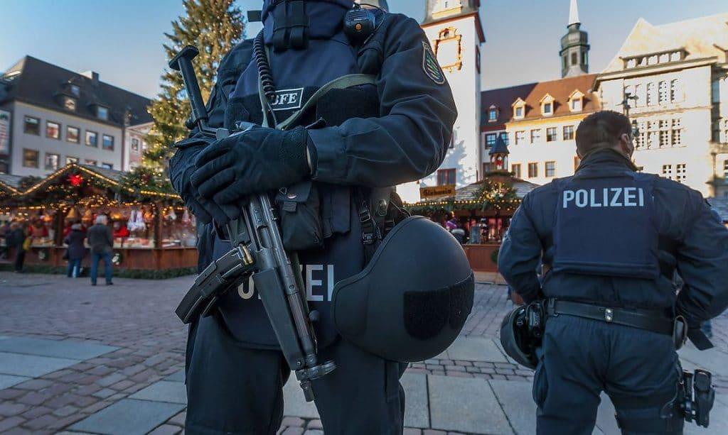 Новости: Информатор из полиции подстрекал исламистов к совершению терактов