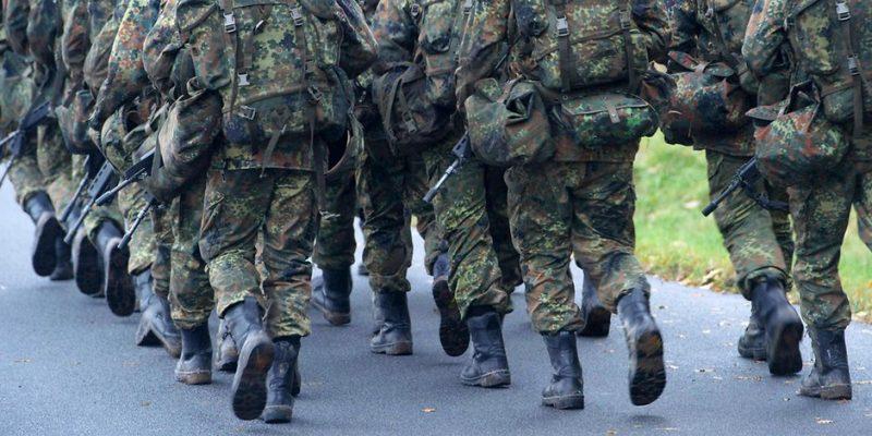 Общество: Число экстремистов среди солдат бундесвера оказалось выше, чем было заявлено