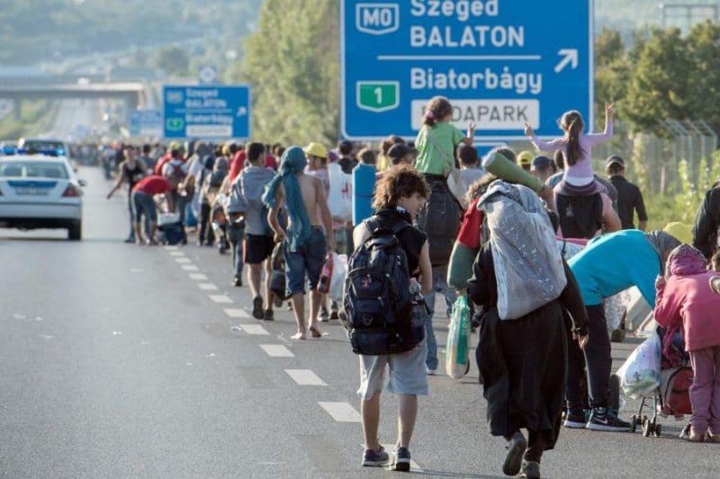 Новости: 70 тыс. иракцев и сирийцев хотят воссоединиться с родственниками в Германии