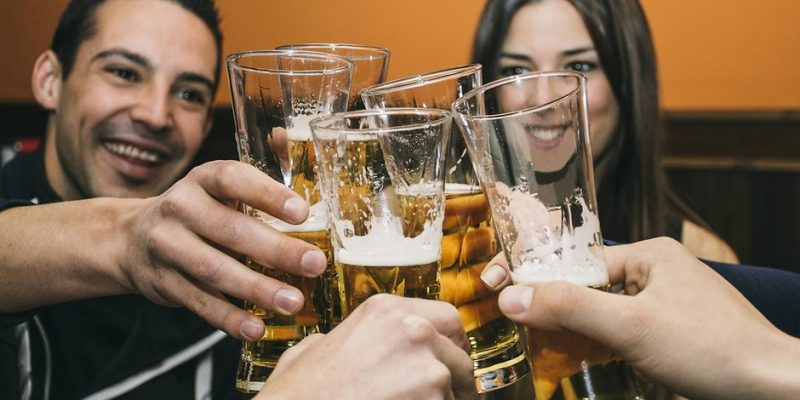 Общество: Алкоголь помогает лучше говорить на иностранных языках
